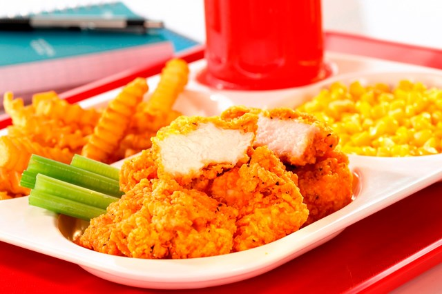 CLUX DELUX® Fully Cooked, Spicy Breaded Chicken Breast Chunks (Boneless Wings), with Re-Pack Boxes,…<br/>(66073)
